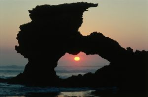 Sunset thru shag rock.jpg